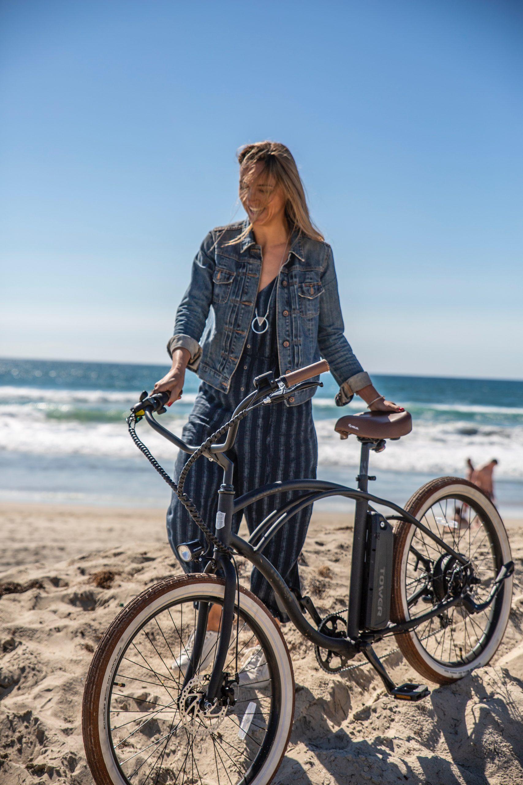 vélo électrique au bord de la mer